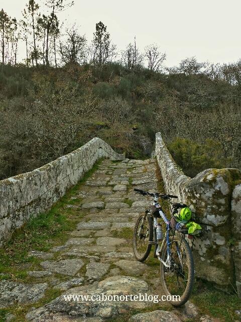 camino de santiago, camino sanabrés, ponte taboada, deza, silleda, lalin, bici, medieval