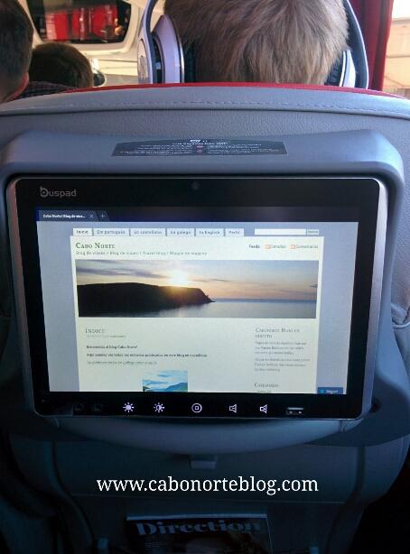 Pantalla con acceso multimedia y a internet (además de wifi) en un bus de larga distancia