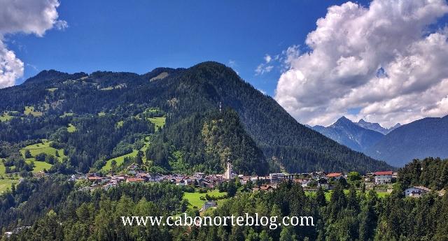 Pueblo en el Tirol, austria