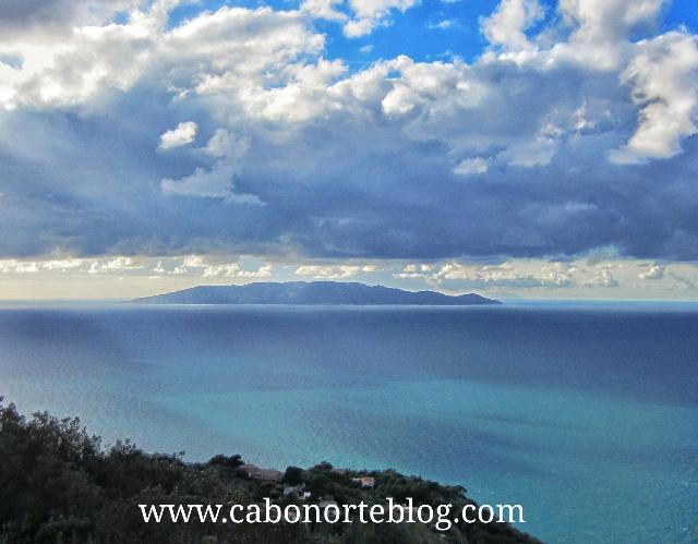 Isla de Giglio desde Monte Argentario