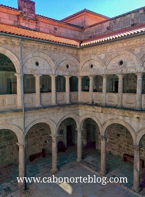 Claustro do Mosteiro de Ribas de Sil