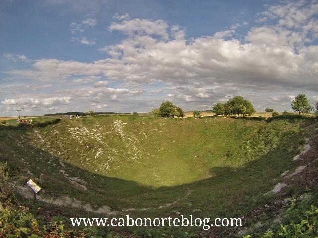 Cráter de una bomba de la Primera Guerra Mundial