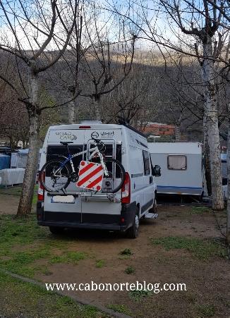 Pasando la noche en un camping