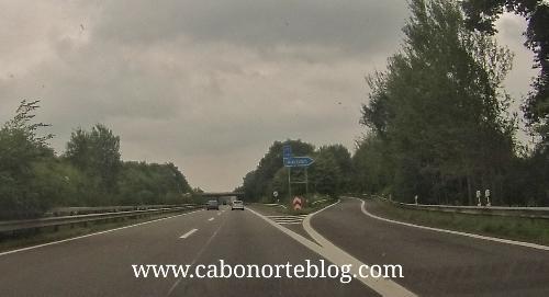 Salida señalizada en una Autobahn