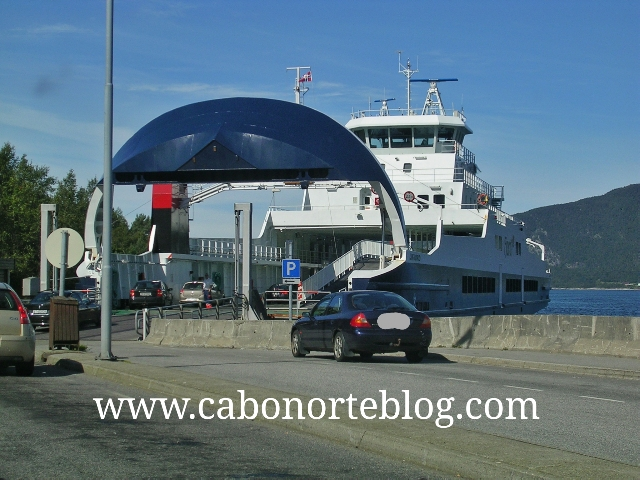 Entrando en un ferry en Noruega