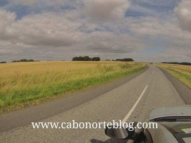 Conduciendo por el rural danés