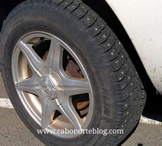 Neumáticos de clavos, para circular por nieve o hielo