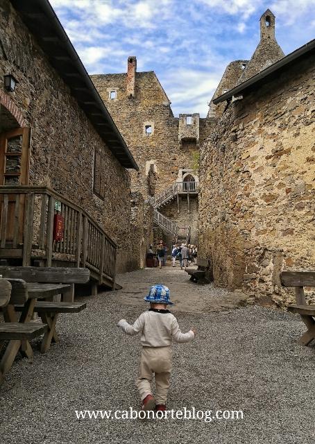 Xaquín en el Castillo de Aggstein