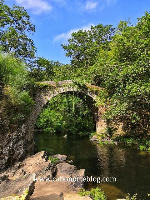 Ponte sobre o Río Deza